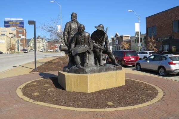 """The Pioneers"" bronze sculture in Pioneer Park, Kansas City, Missouri"